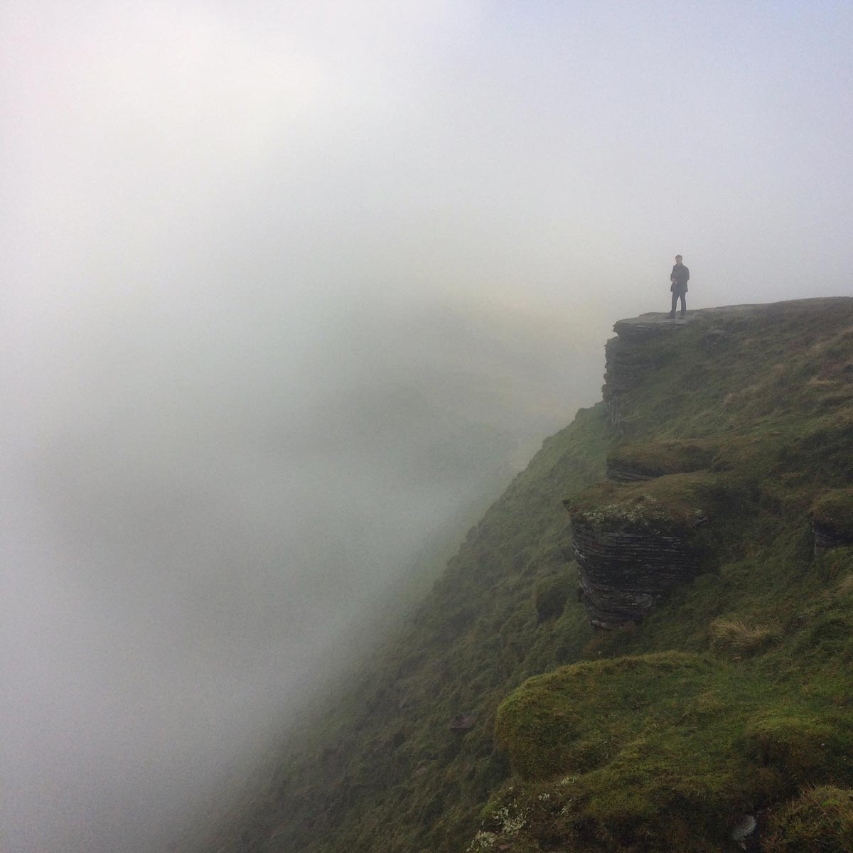 @_lukecotton-on-the-Edge-of-Pen-y-fan
